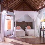 Pool side suite.Beds can be twins or kings. Heavenly sleep with pillow toppers and fine linens.